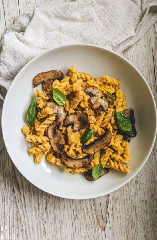 vegan butternut squash pasta with mushrooms and basil